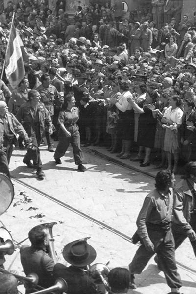 sfilata-del-9-maggio-1945